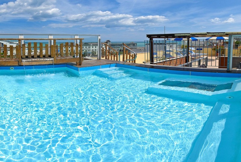 Piscina residence hotel neri cattolica - Residence cattolica con piscina ...